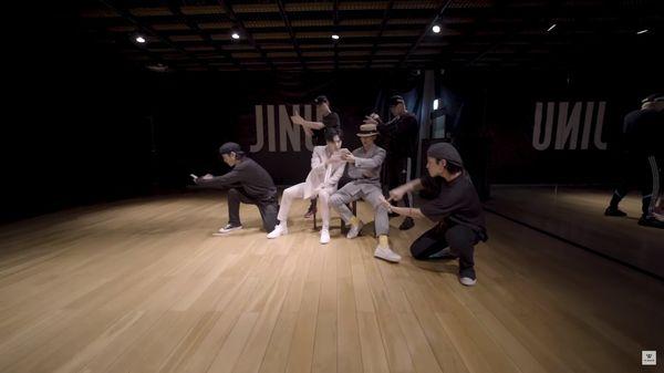 Clip: Xem ngay MV Call Anytime bản dance practice từ cặp đôi Jinwoo - Mino (WINNER) - Hình 2
