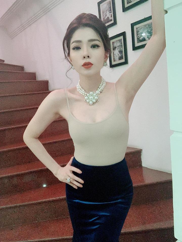 Mai Phương Thúy trầm trồ khen eo 58cm của Lệ Quyên, dân mạng nói gì? - Hình 8