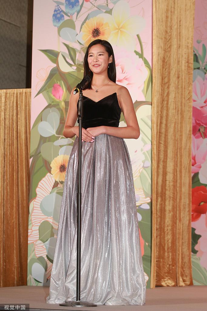 Top 10 Hoa hậu Hồng Kông gây tranh cãi, cộng đồng mạng phán hoa hậu mà trông già như mẹ - Hình 5