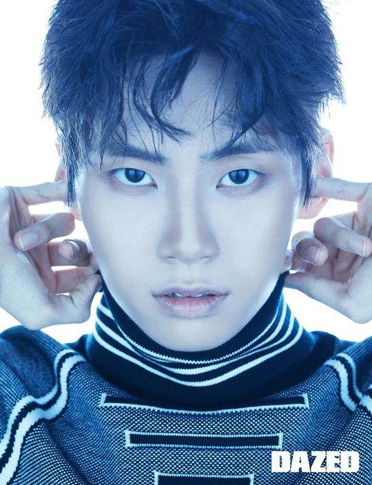 Ảnh tạp chí tháng 9: Lee Dong Wook khoe múi, áp đảo Lee Jin Hyuk (Produce X 101) và Kang Daniel - Hình 4