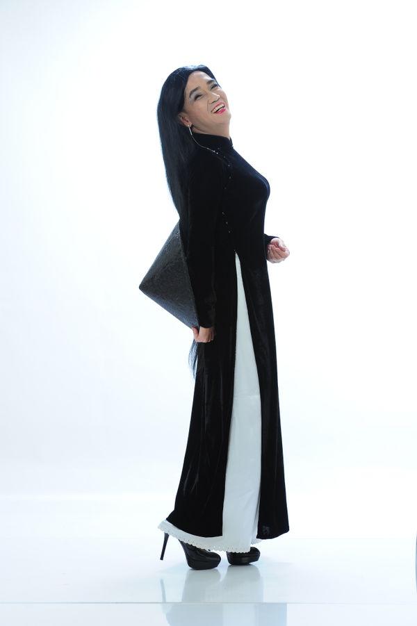 Công bố bộ ảnh cố nghệ sĩ Minh Thuận nền nã trong tà áo dài trước khi qua đời không lâu - Hình 12