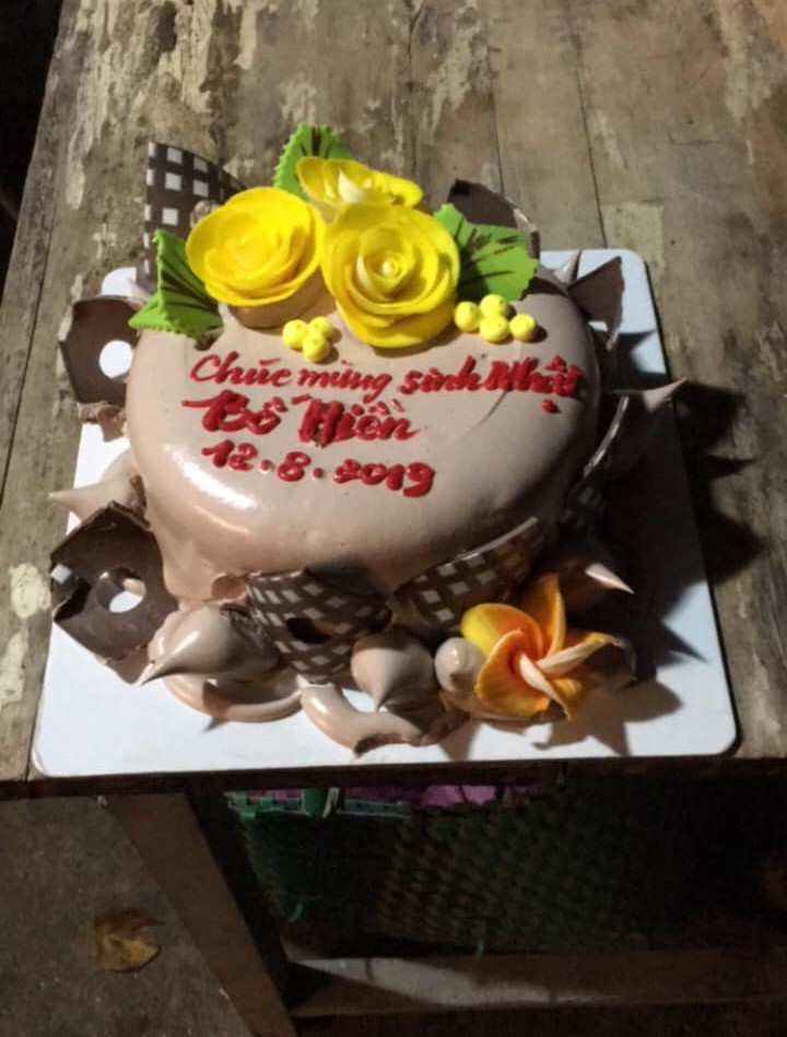 Đặt bánh kem online mừng sinh nhật bố chồng, nàng dâu ngã ngửa khi nhận được sản phẩm khác một trời một vực yêu cầu của mình - Hình 4