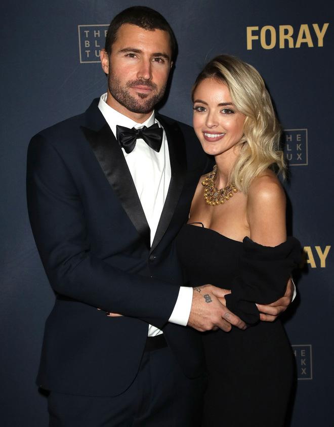 Hoá ra 2 cặp vợ chồng Miley Cyrus và bạn gái tin đồn từng đi hẹn hò đôi, kịch bản điên rồ nhất cho 1 vụ cắm sừng? - Hình 2