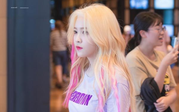 Khó tin nhưng là sự thật: Mỗi lần Yeri nhuộm tóc vàng thì định mệnh sẽ để Red Velvet có hit lớn - Hình 1