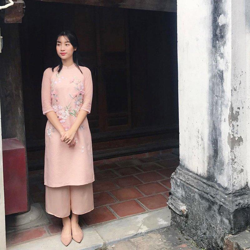 Mặc lùm xùm bị chê trong chương trình thực tế, Đỗ Mỹ Linh xuất hiện nền nã cùng áo dài - Hình 2