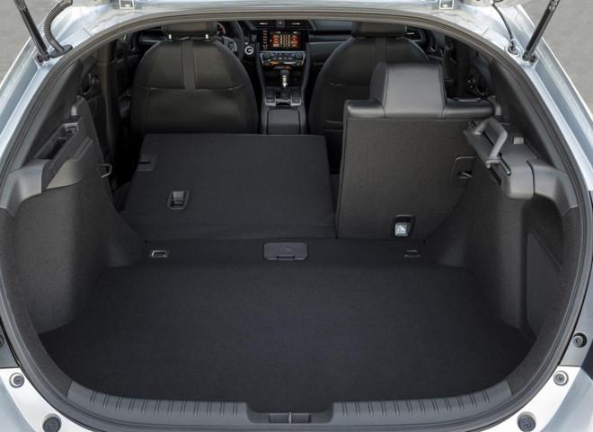 Bất chấp xu hướng, Honda trang bị số sàn cho Civic 2020 bản cao nhất - Hình 9