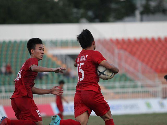 Những khoảnh khắc U18 Việt Nam bất lực trong trận thua sốc trước Campuchia - Hình 8