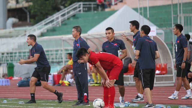 Những khoảnh khắc U18 Việt Nam bất lực trong trận thua sốc trước Campuchia - Hình 13