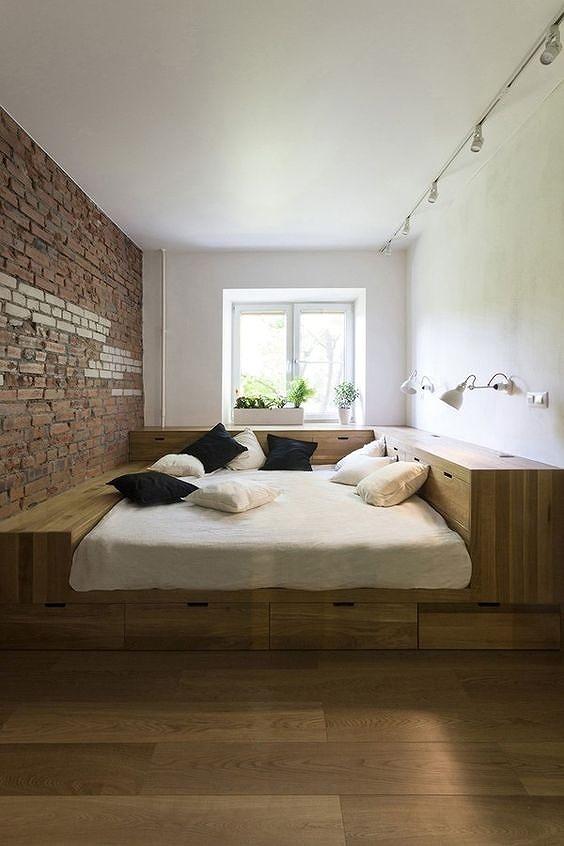 Phòng ngủ nổi bật cho nhà phố hẹp nhờ biến tấu cổ điển và cây xanh - Hình 3