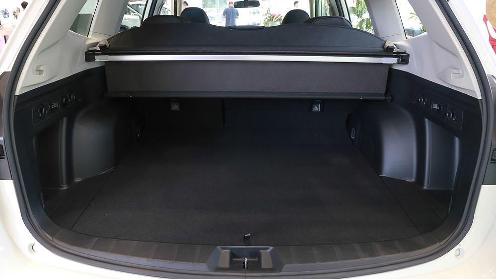 Subaru Forester 2019: SUV 5 chỗ cạnh tranh mạnh với Honda CR-V, Mazda CX-5 - Hình 17