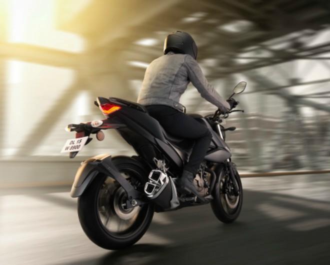 Suzuki Gixxer 250 chính thức ra mắt, giá hợp lý 52 triệu đồng - Hình 4