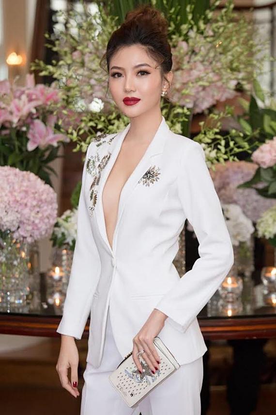 Các mỹ nhân Việt chuộng diện vest đi sự kiện - Hình 10