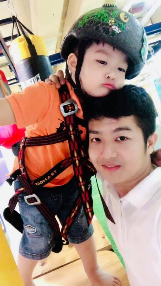 Đăng ảnh chụp cùng con trai, dân mạng khuyên chồng cũ Nhật Kim Anh đừng đi bước nữa - Hình 1