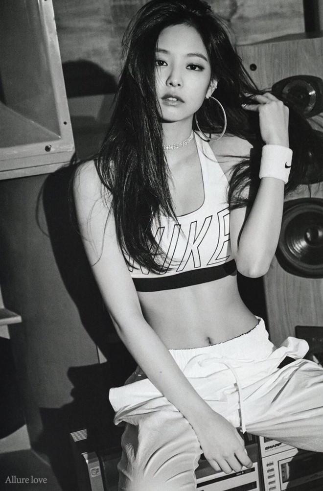 Jennie được khen eo thon, vóc dáng đạt chuẩn biểu tượng Kpop - Hình 3
