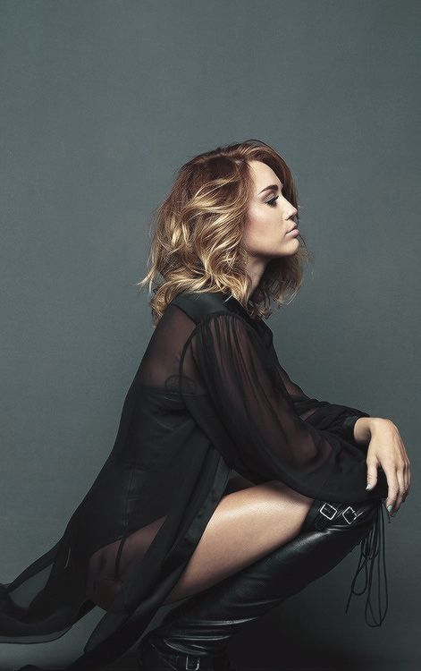 Miley Cyrus ra ca khúc mới: Lí do ly thân với Liam Hemsworth được người trong cuộc ngầm xác nhận - Hình 1