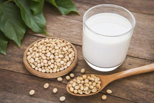 Thực hư câu câu chuyện chị em uống nhiều sữa đậu nành có thể gây u xơ tử cung - Hình 1