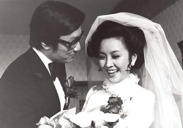 Tình yêu tuổi hoàng hôn: Bố Tạ Đình Phong 82 tuổi theo đuổi vợ cũ U75 sau thời gian dài yêu mỹ nhân đáng tuổi cháu - Hình 6