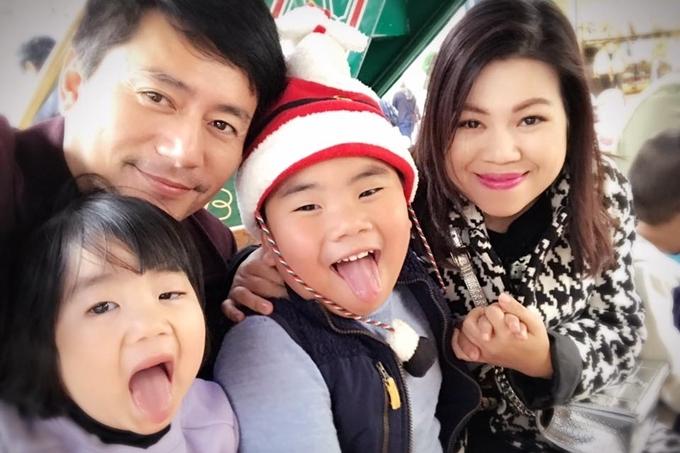 10 năm bên nhau của vợ chồng Trương Minh Cường - Hình 7