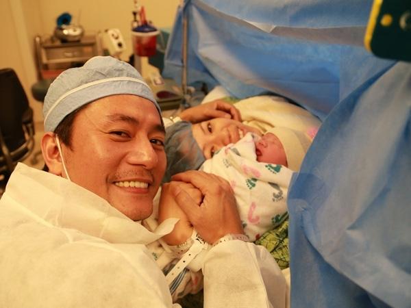 10 năm bên nhau của vợ chồng Trương Minh Cường - Hình 4