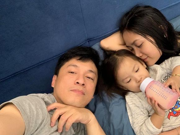 Bị vợ dỗi vì chỉ nói nhớ con gái, Lam Trường có cách nịnh cực ngọt - Hình 3