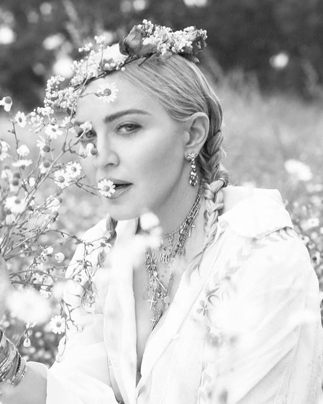 Những khoảnh khắc nổi loạn của nữ hoàng nhạc pop Madonna - Hình 12