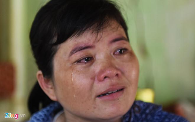Nước mắt sợ hãi của người dân làng chài tỷ phú khi sống trong nợ nần - Hình 2