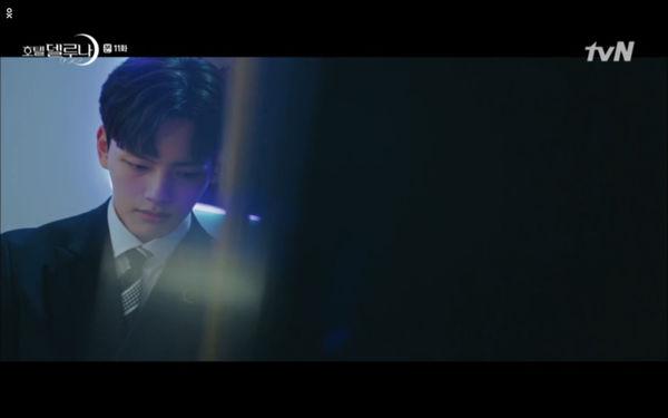 Phim Hotel Del Luna tập 11: IU bất ngờ bị thần chết hỏi thăm, Yeo Jin Goo gặp nguy hiểm khi đụng độ ác nhân - Hình 34