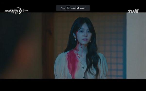 Phim Hotel Del Luna tập 11: IU bất ngờ bị thần chết hỏi thăm, Yeo Jin Goo gặp nguy hiểm khi đụng độ ác nhân - Hình 21