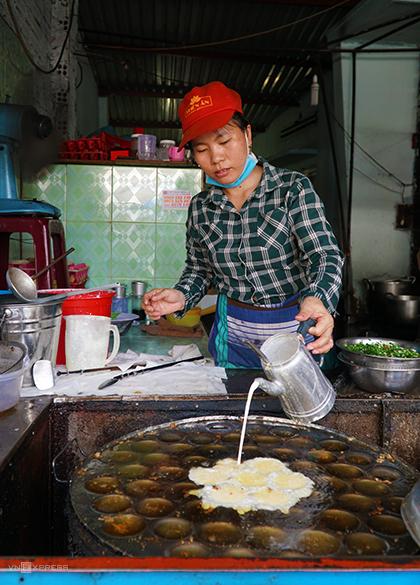 Quán bánh khọt hơn 20 năm ở trung tâm Vũng Tàu - Hình 1