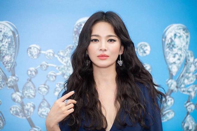 Song Hye Kyo và Goo Hye Sun: Đều là bình hoa diễn xuất, có chồng trẻ nhưng nhận về phản ứng trái ngược trước tin li hôn - Hình 6