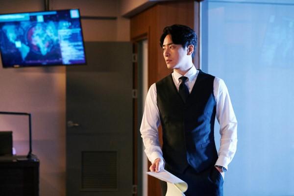 6 cảnh chấn động của Lee Joon Hyuk ở Tổng Thống 60 Ngày: Con tàu chỉ có một thuyền trưởng, tôi là người đó! - Hình 12