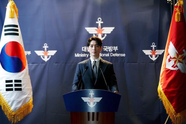 6 cảnh chấn động của Lee Joon Hyuk ở Tổng Thống 60 Ngày: Con tàu chỉ có một thuyền trưởng, tôi là người đó! - Hình 14