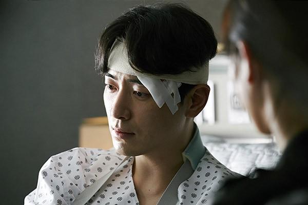 6 cảnh chấn động của Lee Joon Hyuk ở Tổng Thống 60 Ngày: Con tàu chỉ có một thuyền trưởng, tôi là người đó! - Hình 5