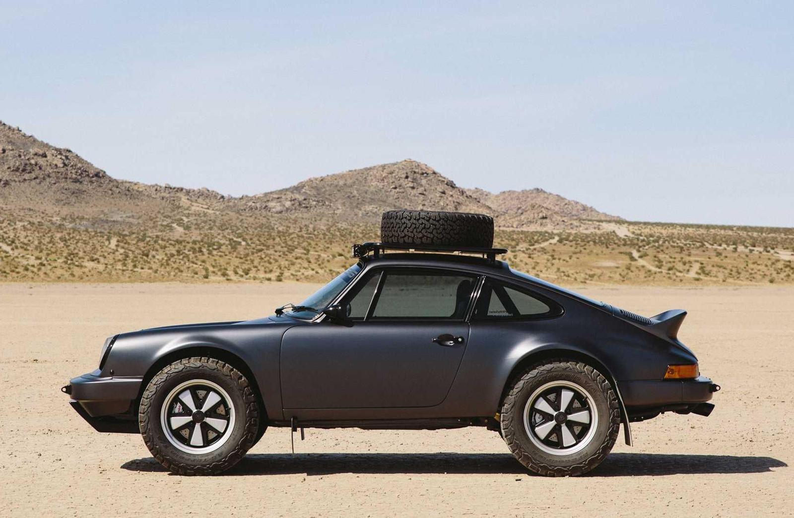 Ông già Porsche 911 Carrera độ phong cách đường trường, cõng được cả xe đời mới - Hình 2