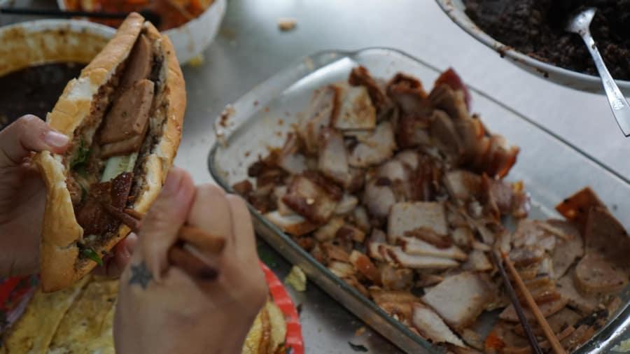 CNN điểm danh các loại bánh mì ngon nhất thế giới tại Hội An - Hình 2