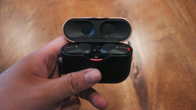 Đập hộp & đánh giá nhanh tai nghe không dây Sony WF-1000XM3: Thiết kế sang, ngầu, chống ồn cực tốt - Hình 6