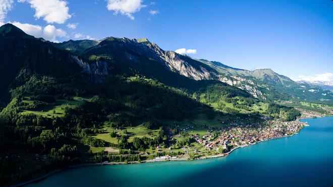 Đoạn clip quay vội tại Thụy Sĩ hot rần rần với gần 3 triệu view, xem xong cứ ngẩn ngơ vì không biết đây là mơ hay thật - Hình 5