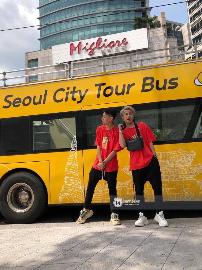 Độc quyền: Không chỉ trên sân khấu, Jack và K-ICM bình thường cũng liên tục diện đồ đôi, có nhiều cử chỉ cực thân thiết tại Hàn Quốc - Hình 2