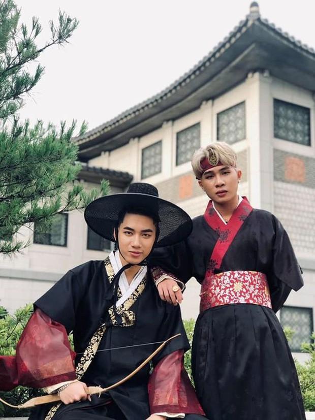 Độc quyền: Không chỉ trên sân khấu, Jack và K-ICM bình thường cũng liên tục diện đồ đôi, có nhiều cử chỉ cực thân thiết tại Hàn Quốc - Hình 8