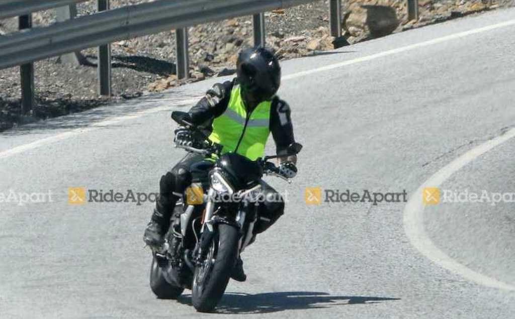 Ducati Monster 795 sẽ phải dè chừng với mẫu naked bike mới từ Triumph - Hình 1