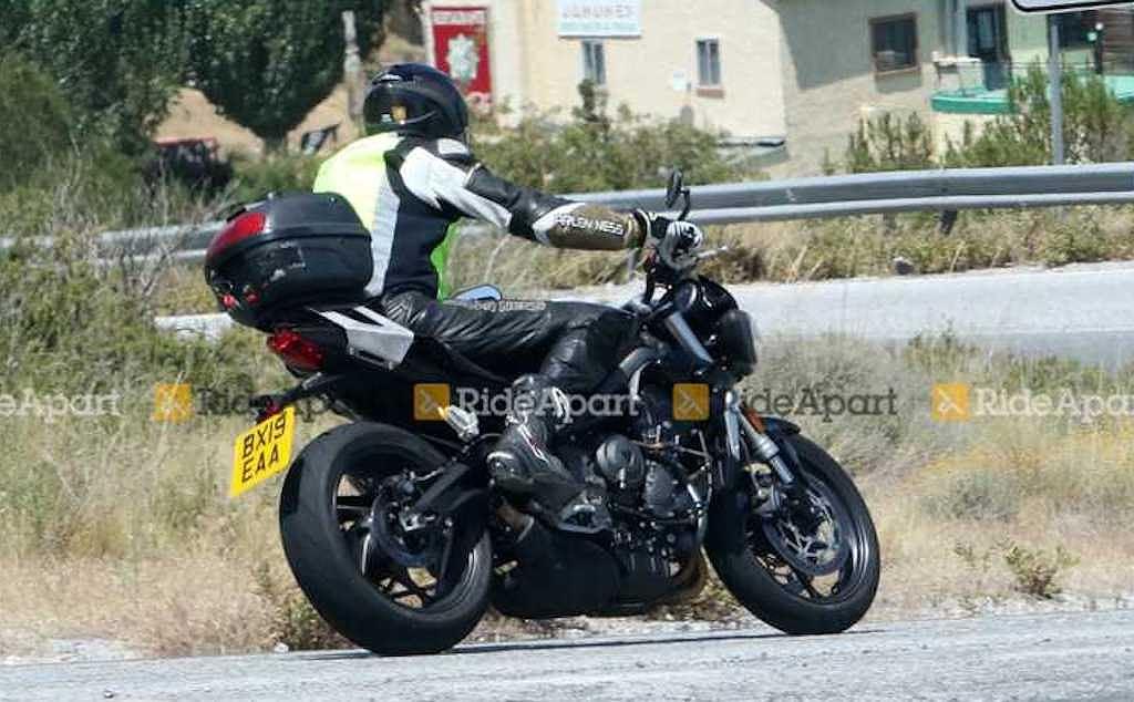 Ducati Monster 795 sẽ phải dè chừng với mẫu naked bike mới từ Triumph - Hình 4