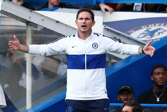 Lampard đăm chiêu trên ghế huấn luyện sau 3 trận liên tiếp không thắng - Hình 11