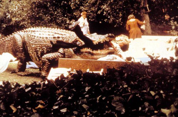 Lỡ yêu Crawl - Địa đạo cá sấu tử thần, xem thêm 10 tựa phim quái vật bò sát hấp dẫn sau đây! - Hình 4