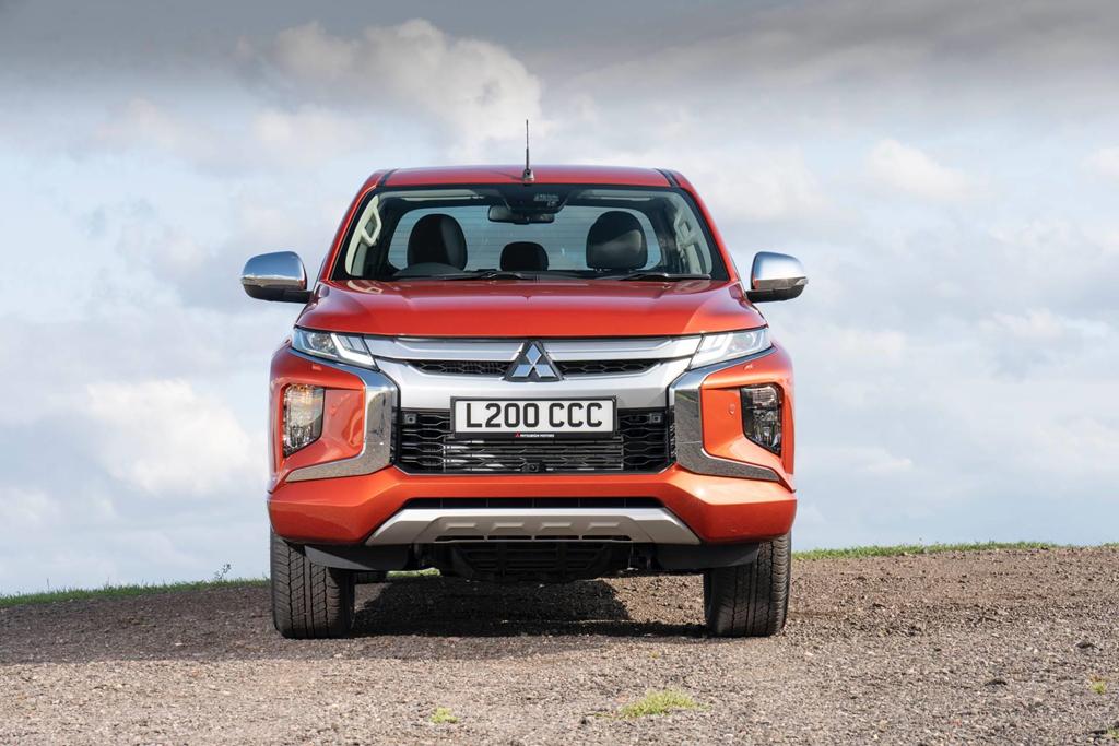Mitsubishi Triton 2020 đặt chân tới Anh quốc, giá từ 26.000 USD - Hình 1