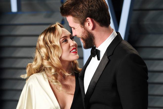 Sốc: Bạn bè của Liam Hemsworth tiết lộ nam diễn viên thường xuyên bị Miley Cyrus nhục mạ - Hình 2