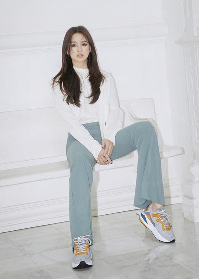 Song Hye Kyo lần đầu tung bộ ảnh hậu ly hôn: Quyền lực, lột xác cá tính lạ thường nhưng lại bất ngờ bị netizen chê - Hình 3