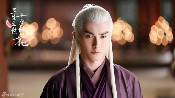 Trước Thượng Quan Thu Nguyệt Lý Hoành Nghị, những nam thần cổ trang tóc trắng nào đã từng khiến mọt phim mất máu? - Hình 5