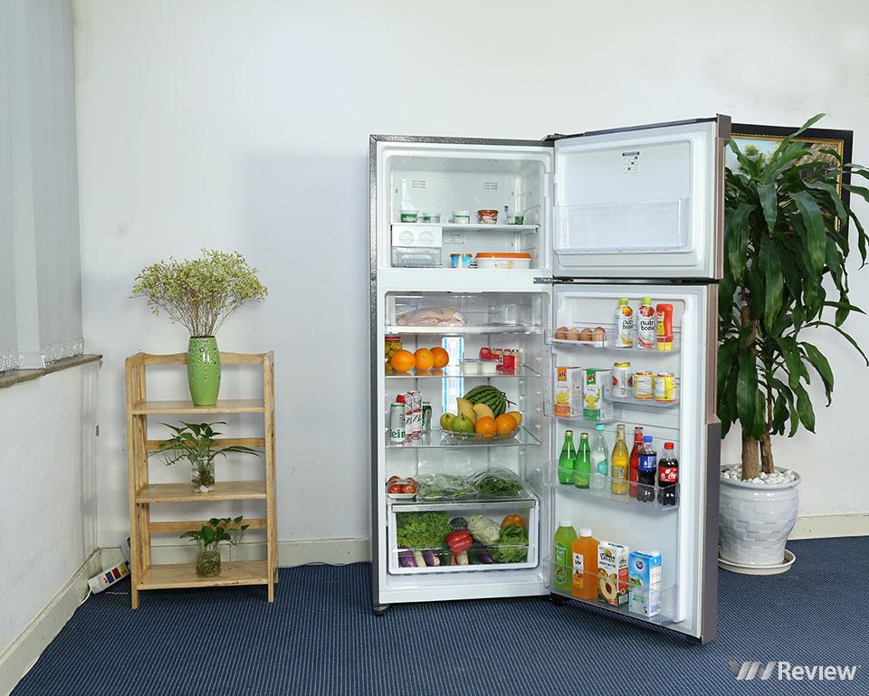 Đánh giá tủ lạnh Electrolux NutriFresh Inverter ETB4600B-G: khác biệt ở ngăn chứa rau củ - Hình 12