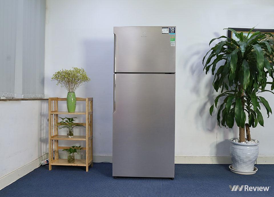 Đánh giá tủ lạnh Electrolux NutriFresh Inverter ETB4600B-G: khác biệt ở ngăn chứa rau củ - Hình 1
