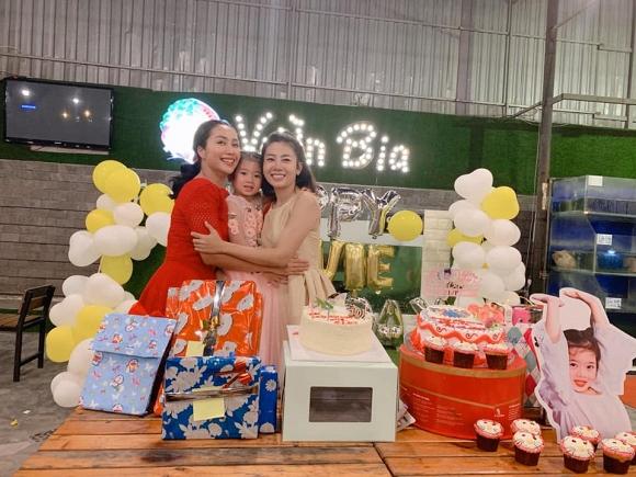 Mai Phương cùng bạn thân tổ chức sinh nhật cho con gái, tình cũ Phùng Ngọc Huy để lại bình luận ấm lòng - Hình 5